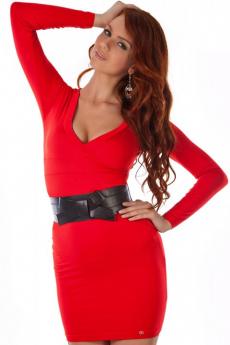 ХИТ продаж: красное платье с глубоким декольте Mondigo