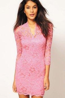 Розовое гипюровое платье с V-образным вырезом ASOS